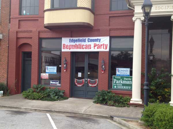Republicans Open Headquarters