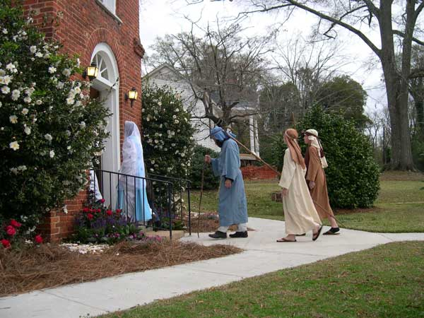 Annual Walking Tour of Churches – Sunday, December 9