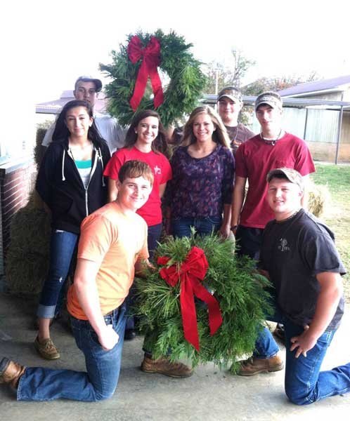 Thurmond FFA Fresh Cut Christmas Wreath & Poinsettia Sale