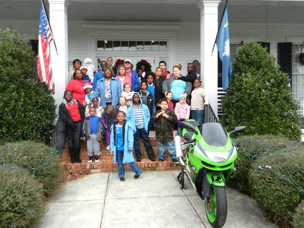Southern Eagles Motorcycle Club Showers Children with Gifts