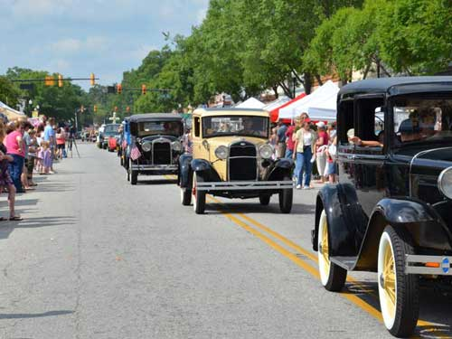 Johnston Peach Blossom Festival Loves A Parade