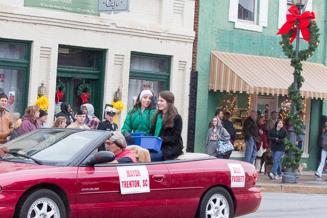 Edgefield Christmas Parade 2013-89