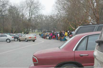 Edgefield Food Bank Has Successful Mobile Food Pantry