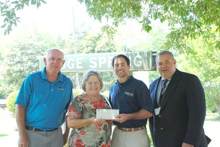 Johnston and Ridge Spring Farmers Markets Receive Grant from AgSouth
