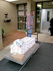 Joe Carter delivers doughnuts to Merriwether Middle