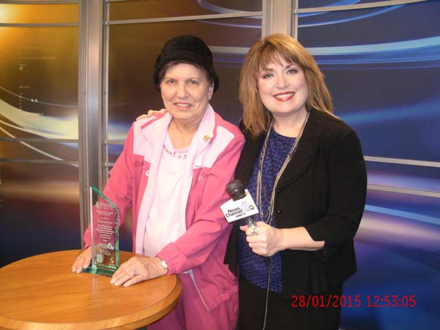"""Anne Sawyer Receives """"Giving Your Best"""" Award"""