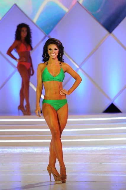 Miss-SC-Mae-Ann-Webb–York-Swimsuit-(2)