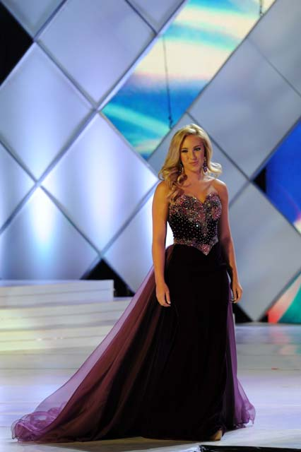 Miss-SC-Makayla-Stark-Duncan-Teen-Evening-Gown-(2)