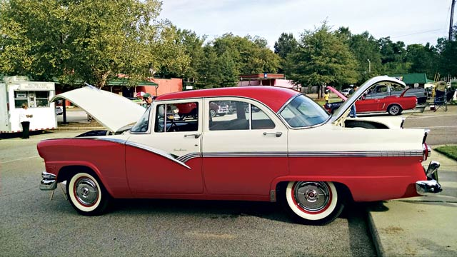 Thurmond Burnett's Restored 1956 Ford Towne Sedan