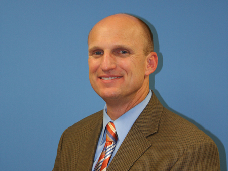 Dr. Robert Maddox Named New School Superintendent