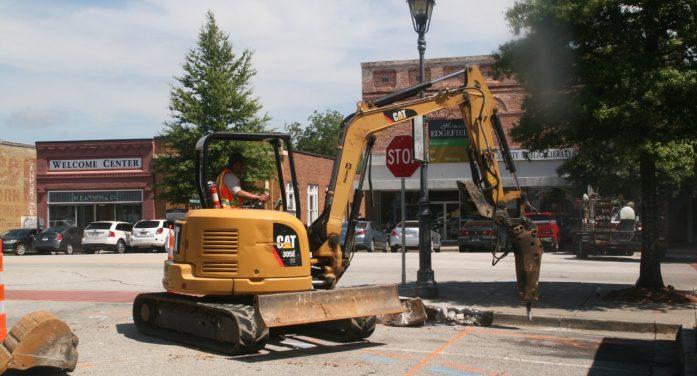 BreakingNews –The Rubble Begins in Edgefield Square