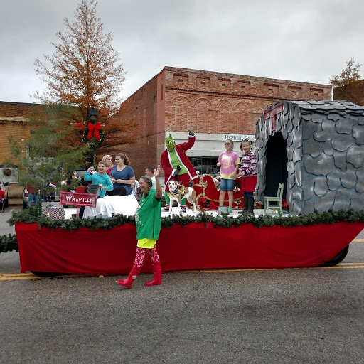 The Edgefield County Hospital float tied with Boat Barn for Most Original.