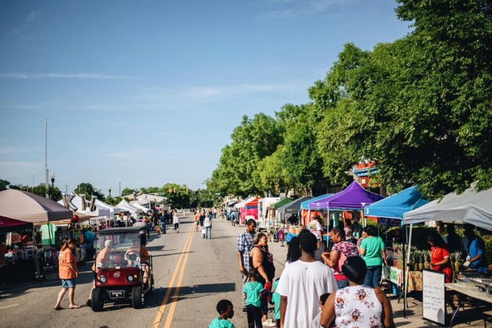 Warm Sunshine Invited Crowds to the 36thAnnual festival